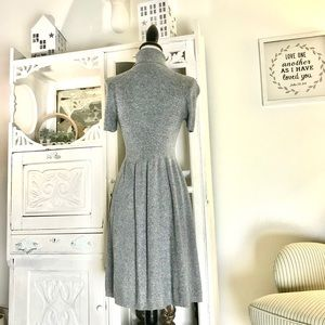 AMERICAN EAGLE gray short sleeved sweater dress
